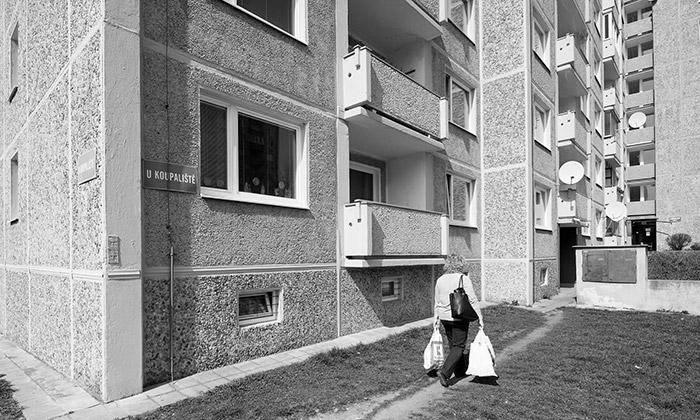 Příběh paneláku senyní vypráví vKarlovarském kraji