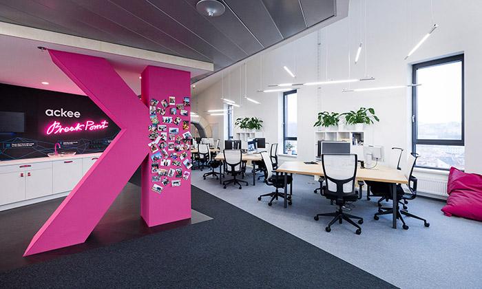 Vývojáři aplikací Ackee mají vPraze hravé kanceláře