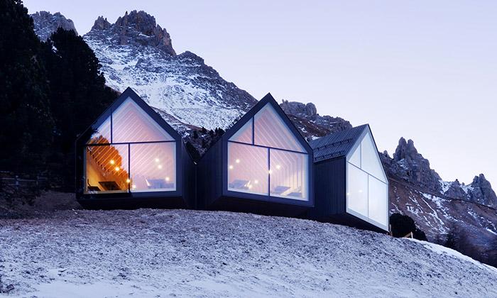 Italský Obereggen ozdobila chata Hütte Oberholz
