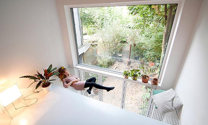 V proluce vRotterdamu vyrostl úzký třípodlažní dům