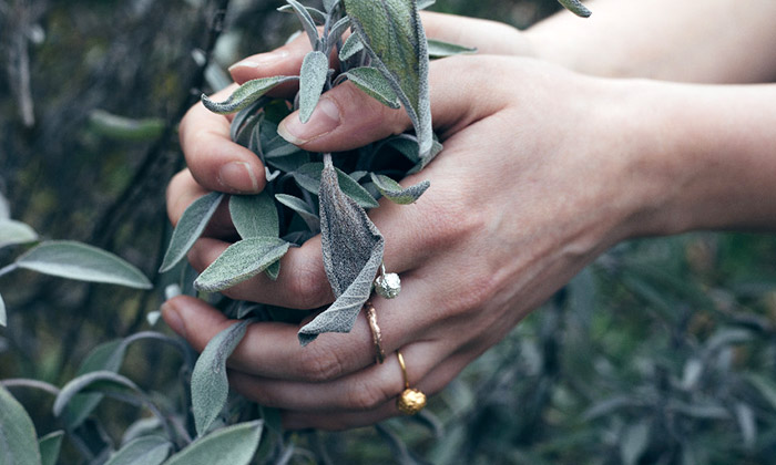 Eliška Lhotská navrhla zchleba šperky budoucnosti