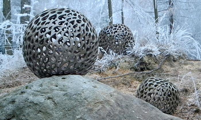 Ludmila Šenkyříková tvoří velké keramické objekty