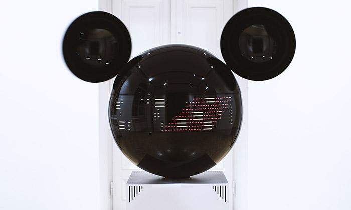 Art instalace Mickeyphon přijíždí poprvé doČeska