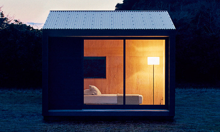 Muji navrhlo jednoduchý prefabrikovaný domek Hut