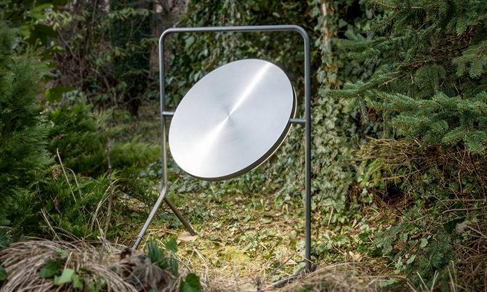 Herrmann & Coufal navrhli svítidlo imitující úplněk
