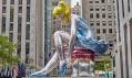 Jeff Koons a socha Seated Ballerina v New Yorku