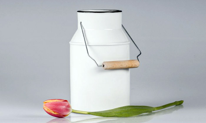 Luckavo navrhla porcelánovou bandasku jako vázu