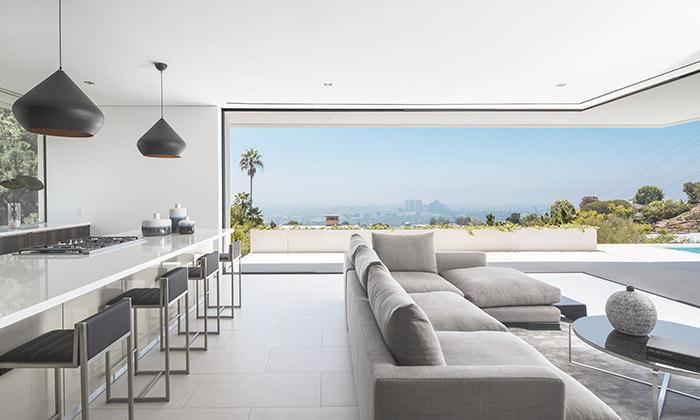Minimalistický dům Mirrorhouse shlíží kLos Angeles