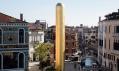 James Lee Byars a socha The Golden Tower v Benátkách