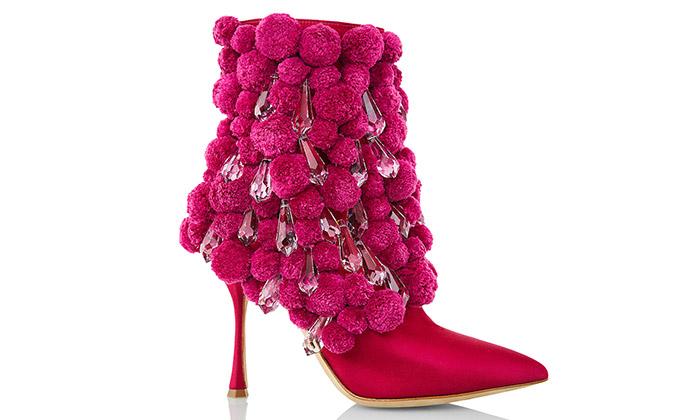 Manolo Blahnik navrhl boty skrystaly odPreciosy