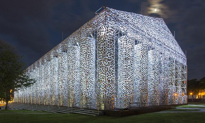 V Německu postavili Parthenón ze 100000 knih