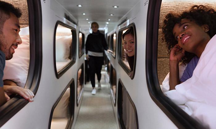 Ride Cabin jeautobus sespeciální lůžkovou úpravou