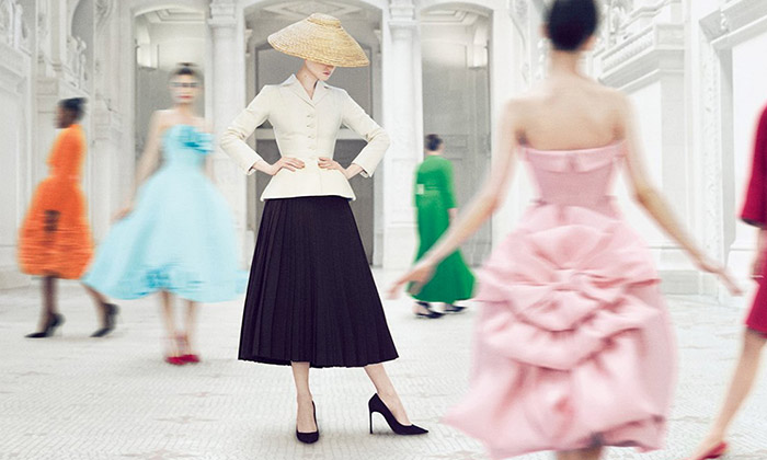 Módní dům Dior slaví 70 let velkolepou výstavou