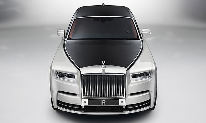 Rolls-Royce představil po14 letech nový Phantom