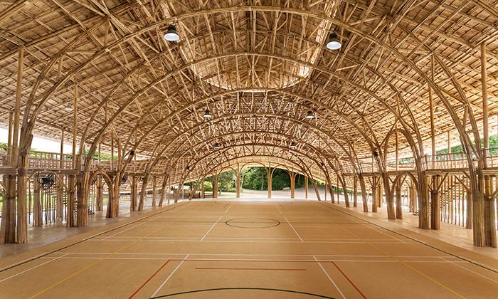Thajská sportovní hala jepostavená celá zbambusu