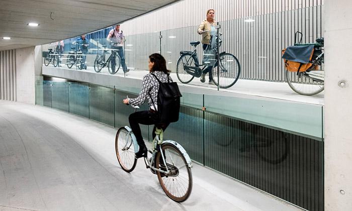 Utrecht otevřel největší parkoviště nakola nasvětě