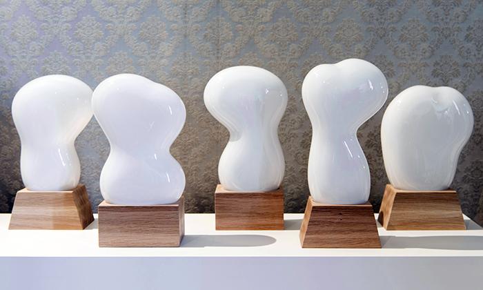 České střepy ukazují vPraze české sklářské umění