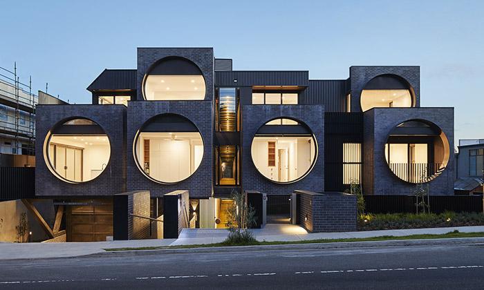 Bytový dům Cirqua sechlubí velkými kruhovými okny