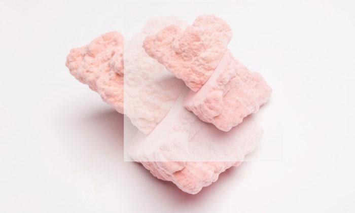 Jitka Ticháčková navrhla kolekci objektů Srdce pro pohlazení duše