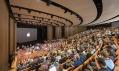 Steve Jobs Theater v kalifornském Apple Park od Foster + Partners