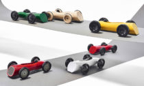 Tomáš Rejmon a jeho kolekce natahovacích hraček Závoďáci 2