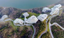 Huangshan Mountain Village od MAD Architects