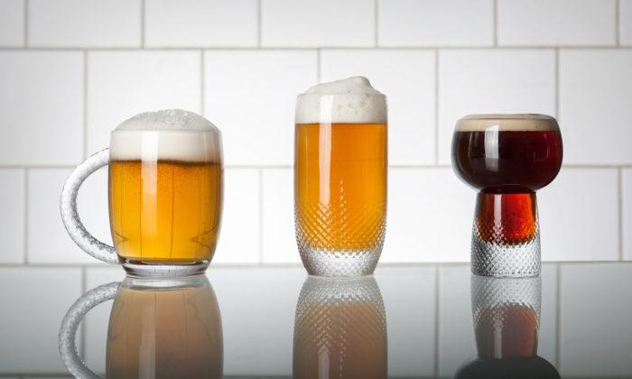 Michal Pražský navrhl kolekci sklenic napivo splastickým dekorem
