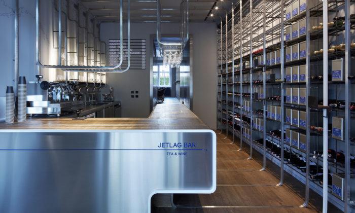 Pražský Jetlag Bar má interiér dělený časovými pásmy