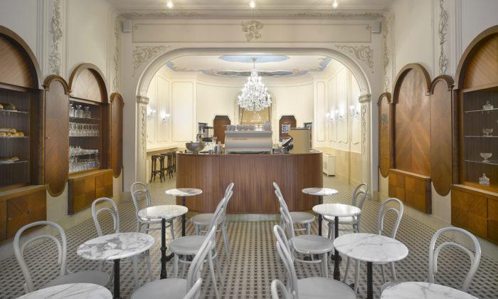 Cukrárna Myšák seznovu otevřela somlazeným interiérem inovými lustry