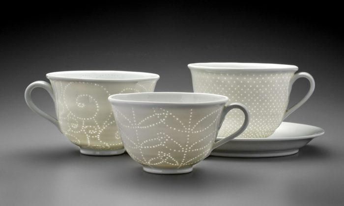 Daniela aMartin Kosovi vystavují vDubí svou hravou porcelánovou tvorbu