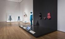 Ukázka z výstavy Items: Is Fashion Modern? v MoMA