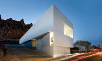 Casa en la Ladera de un Castillo odFran Silvestre Arquitectos