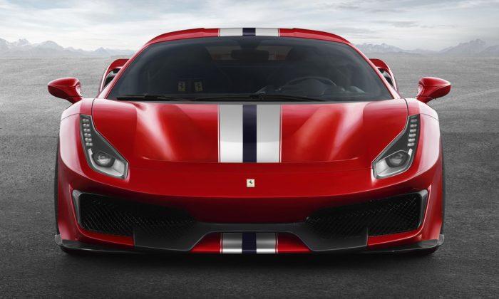 Ferrari odhalilo svůj kratší aještě výkonnější sporťák 488 Pista