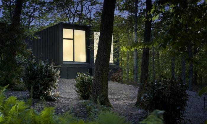 Insta House jerodinný dům postavený za osm týdnů zdopravních kontejnerů