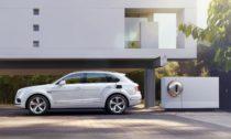 Bentley Bentayga Hybrid a nabíjecí stanice od Philippe Starcka