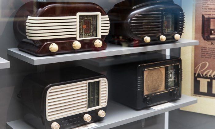 Národní technické muzeum otevřelo výstavu Kouzlo bakelitu s300 exponáty