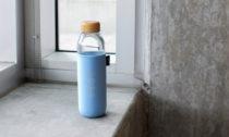 Láhev na vodu Soma vyrobená z plastu vyloveného z oceánu