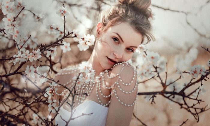Česká designérka Adrianet navrhuje aručně vyrábí šperkové topy zperel