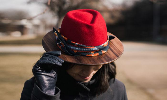 Česká značka La Modista navrhla kolekci dřevěných klobouků