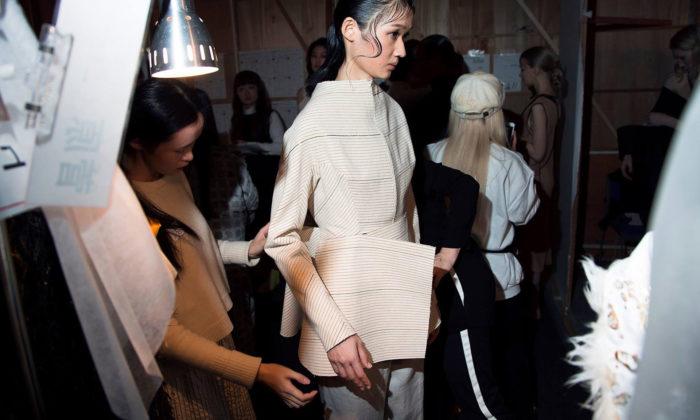 Michaela Čapková představí módní kolekci Artefacts nanizozemském Fashionclash