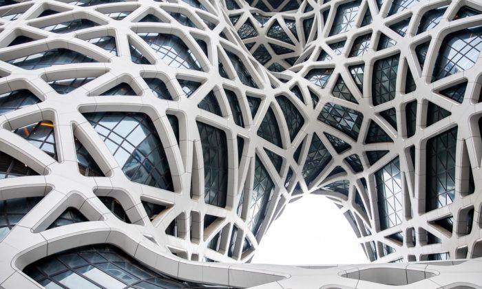V Macau seotevírá děravý hotel Morpheus navržený Zahou Hadid
