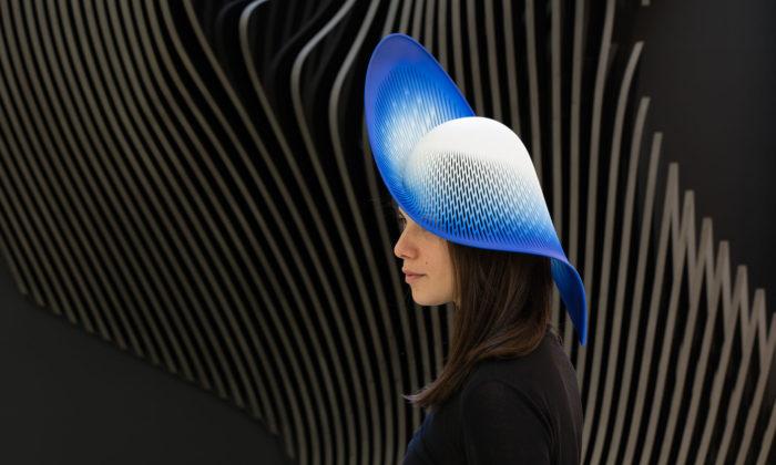 Patrik Schumacher ze Zaha Hadid Architects navrhl klobouk H-Line
