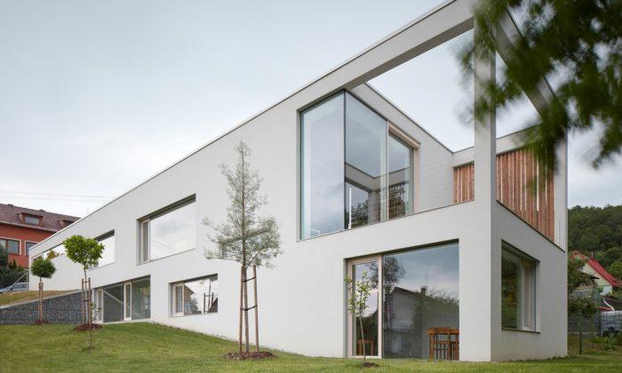 Ve Šternberku postavili dům vesvahu pro dvě domácnosti atři generace