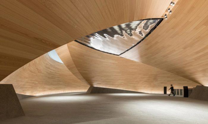 Foster + Partners dostali prestižní Stirlingovu cenu za londýnské kanceláře Bloomberg