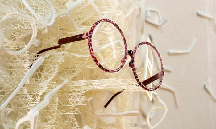 Česká značka Onyx vyrábí sluneční adioptrické brýle pomocí barevného 3D tisku