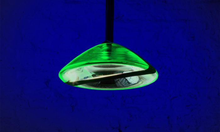 Michal Pražský navrhl svítidla Waves Lights evokující zvlněnou vodní hladinu