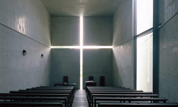 Tadao Ando otevřel vPaříži velkou retrospektivní výstavu své jedinečné architektury