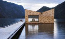 Plovoucí sauna Soria Moria odateliéru Feste Landskap Arkitektur