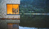 Plovoucí sauna Soria Moria od ateliéru Feste Landskap Arkitektur