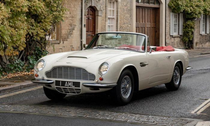 Aston Martin dal starému kabrioletu DB6 plně elektrický pohon